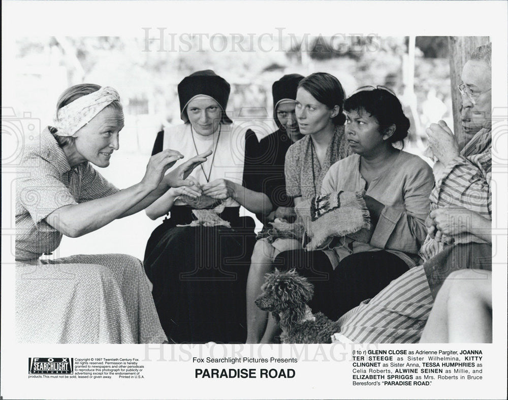 "1997 Press Photo Glenn Close, Joanna Ter Steege star in ""Paradise Road"" - Historic Images"