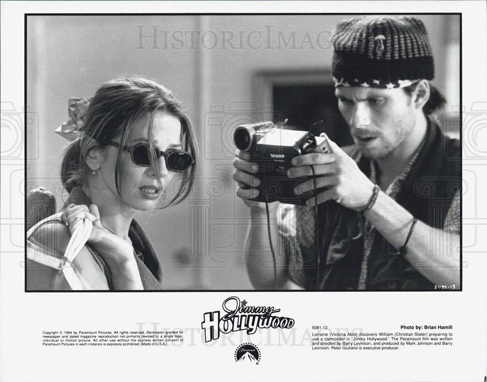 1994 Press Photo Victoria Abril Actress Christian Slater Actor Jimmy Hollywood - Historic Images