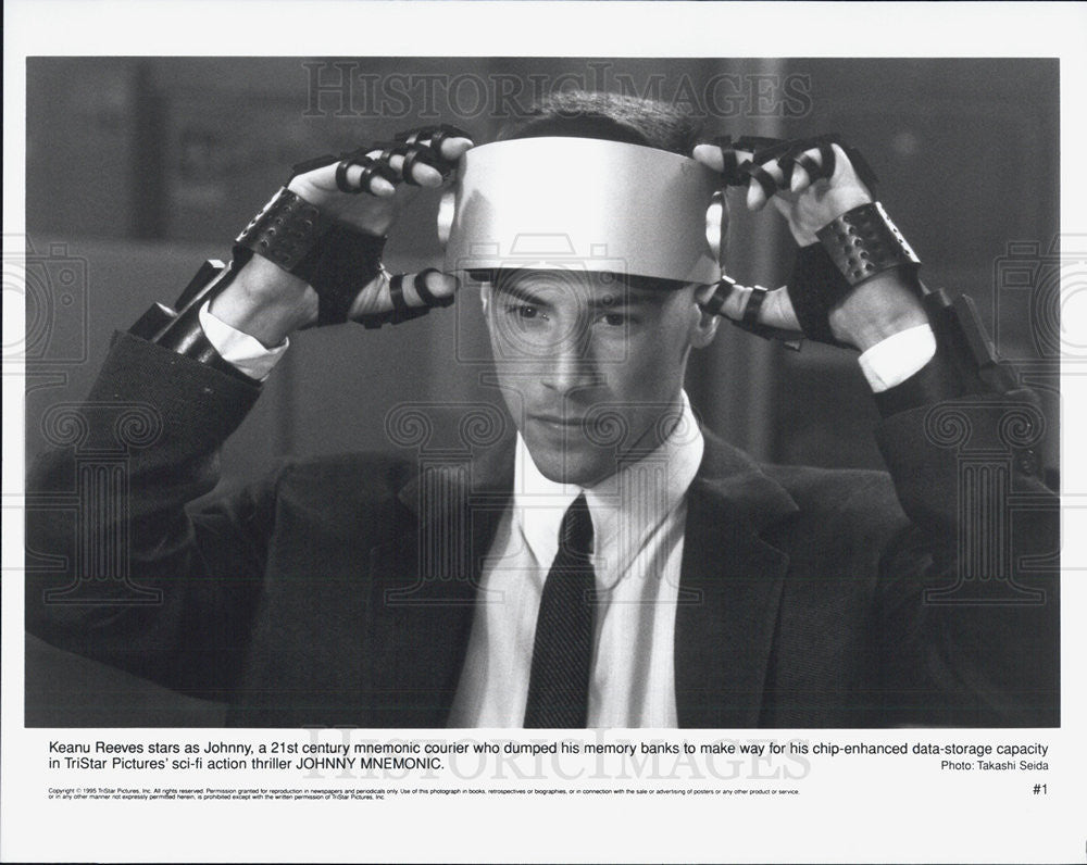 1996 Press Photo Keanu Reeves, in Johnny Mnemonic - Historic Images