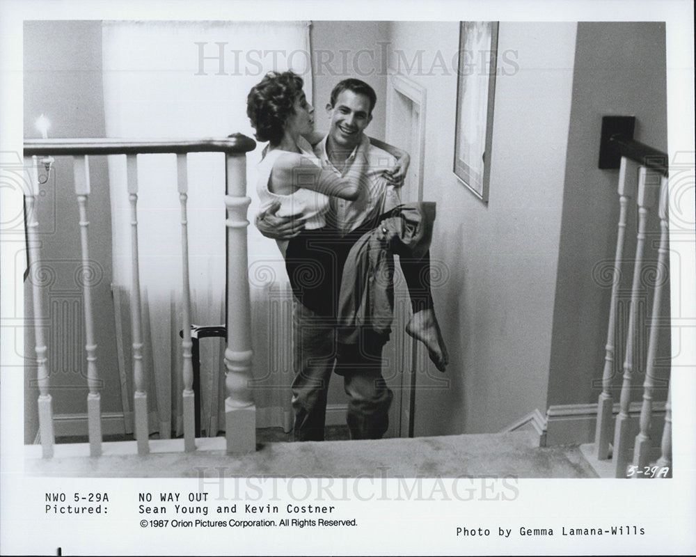 "1987 Press Photo Sean Young & Kevin Costner in ""No Way Out"" - Historic Images"