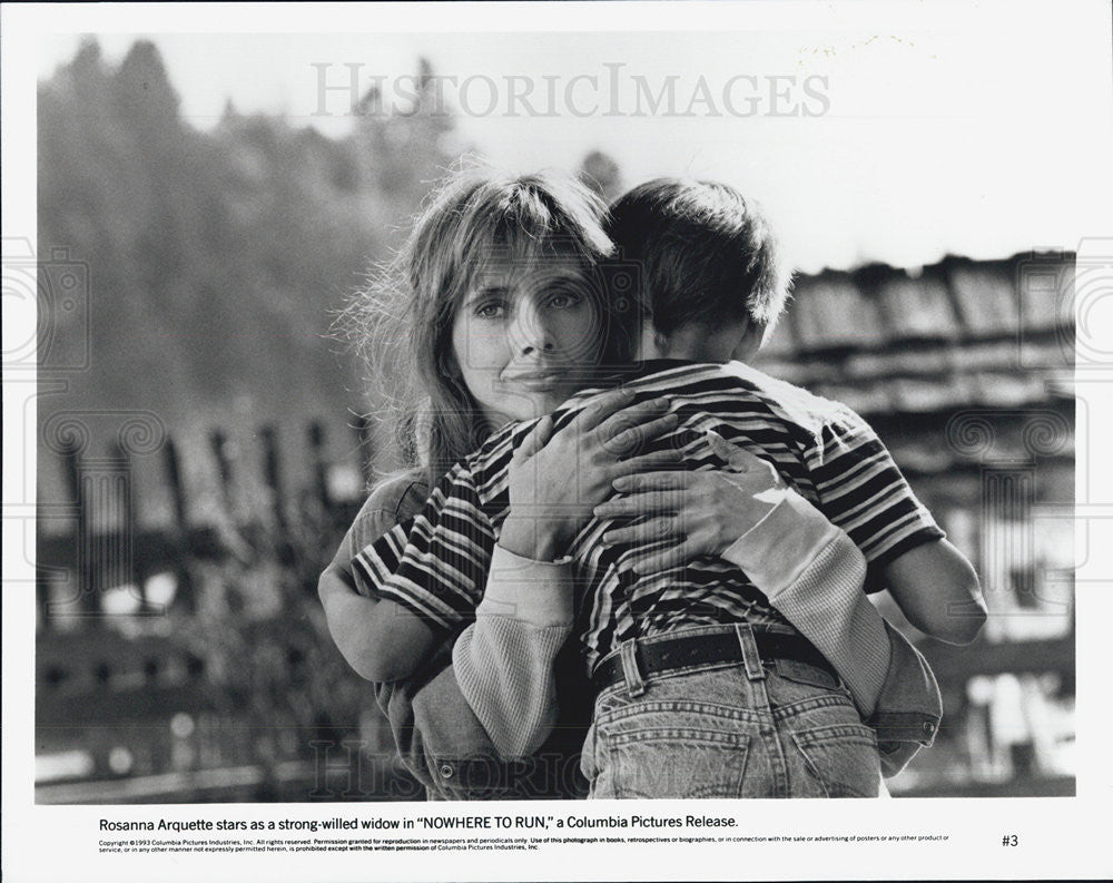 1993 Press Photo Rosanna Arquette Nowhere to Run Columbia - Historic Images