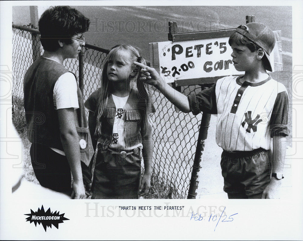 Press Photo Martin Meets The Pirates from Nickelodeon - Historic Images