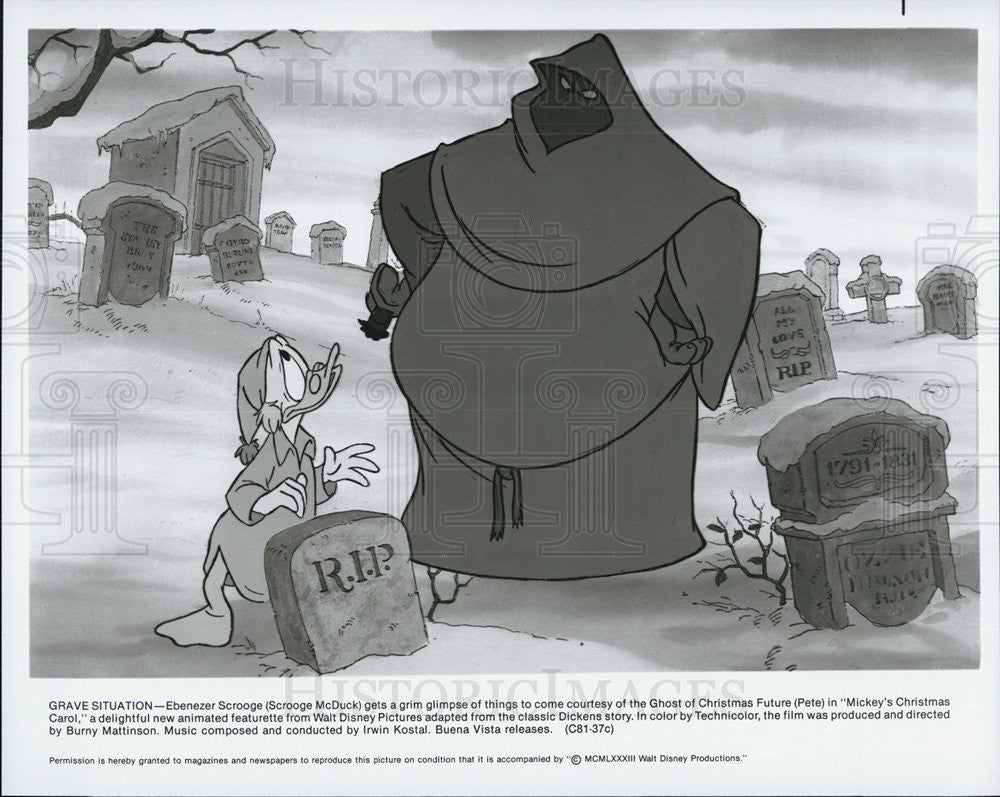 Christmas Carol Scrooge Mcduck.Press Photo Scrooge Mcduck With The Ghost Of Christmas Future