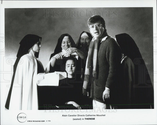"1986 Press Photo Alain Cavalier directs Catherine Mouchet in ""Therese"" - Historic Images"