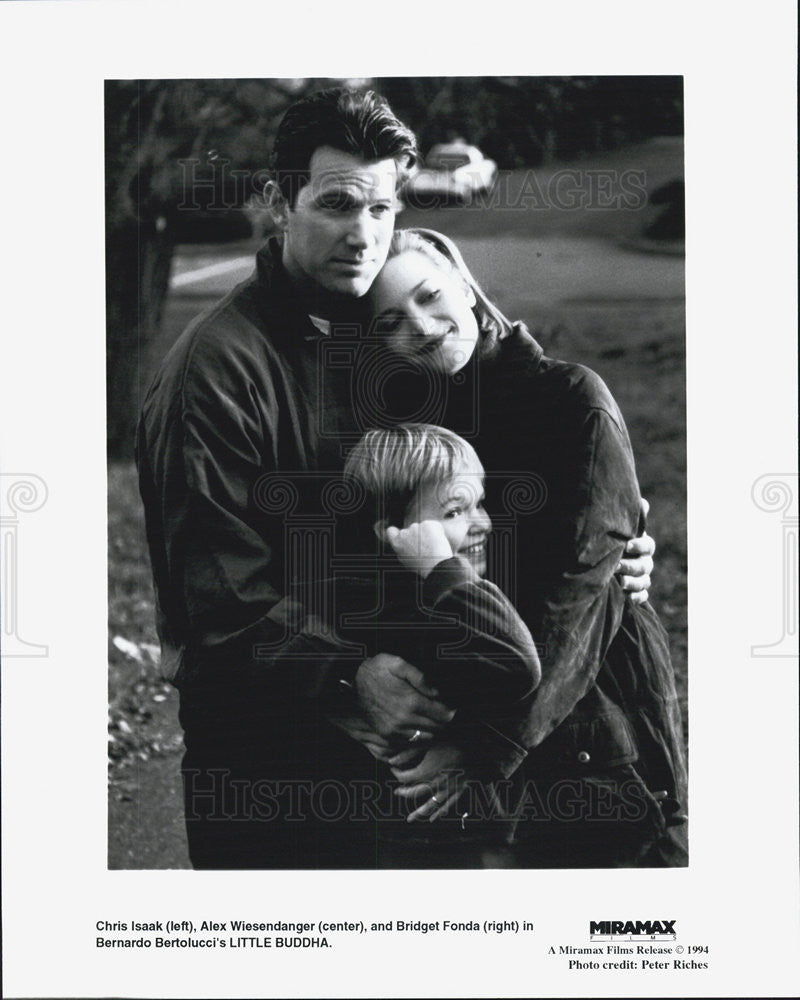 1994 Press Photo Chris Isaak Alex Wiesendanger & Bridget Fonda in Little Buddh - Historic Images