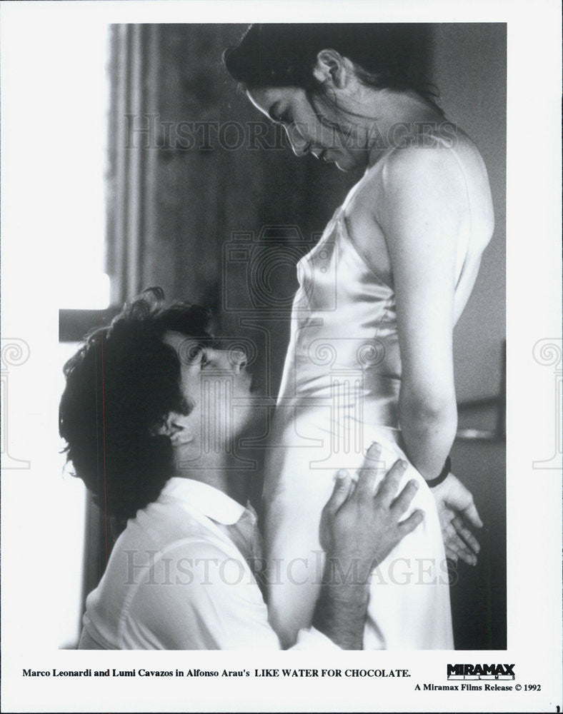 "1992 Press Photo Marco Leonardi Lumi Cavazos Film ""Like Water For Chocolate"" - Historic Images"