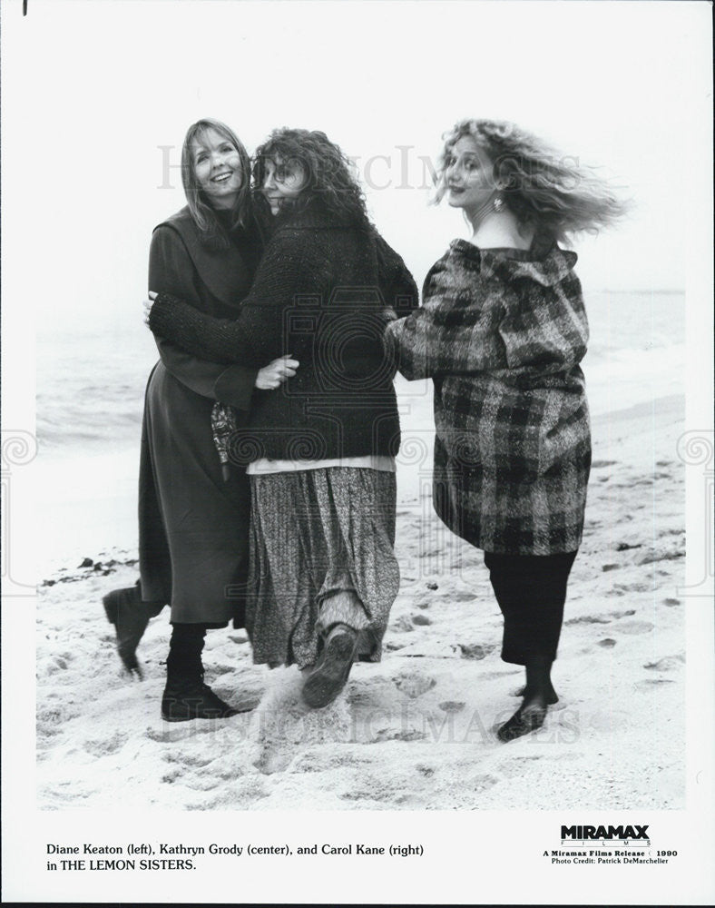 1990 Press Photo Diane Keaton Kathryn Grody and Carol Kane in The Lemon Sisters - Historic Images