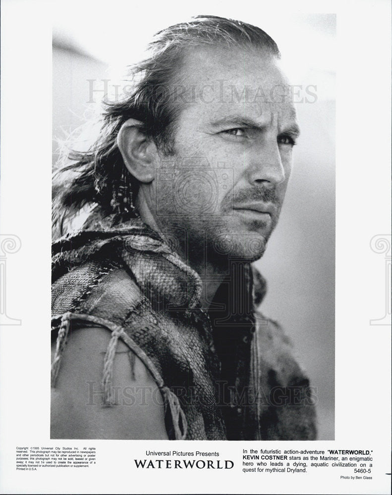 "1995 Press Photo Kevin Costner stars as the Mariner in ""Waterworld."" - Historic Images"