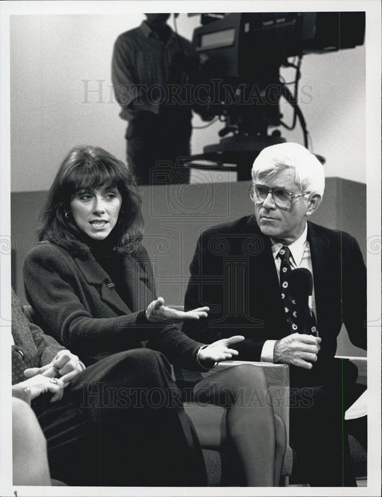 "1990 Press Photo ""L.A. Law"" Phil Donahue &Michele Greene"" - Historic Images"