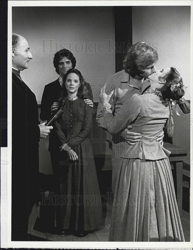"Press Photo Cast of ""Little House on the Prairie"" - Historic Images"