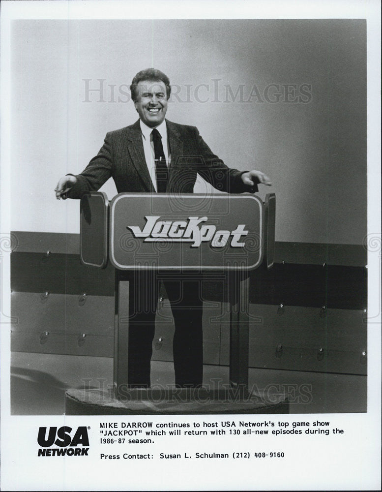 "1974 Press Photo Mike Darrow hosts ""Jackpot"" gameshow - Historic Images"
