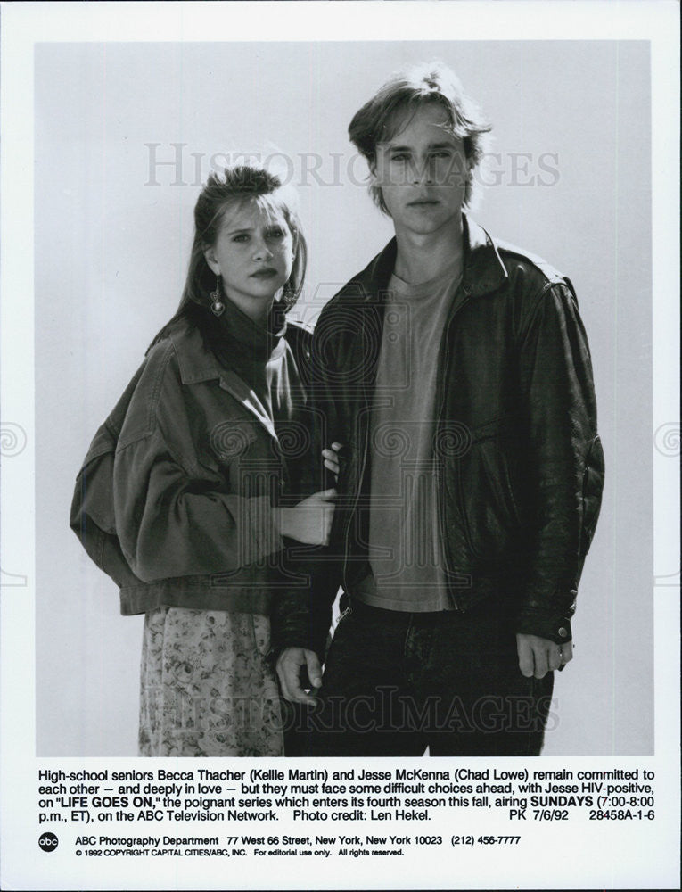 1992 Press Photo Kellie Martin and Chad Lowe in Life Goes On - Historic Images