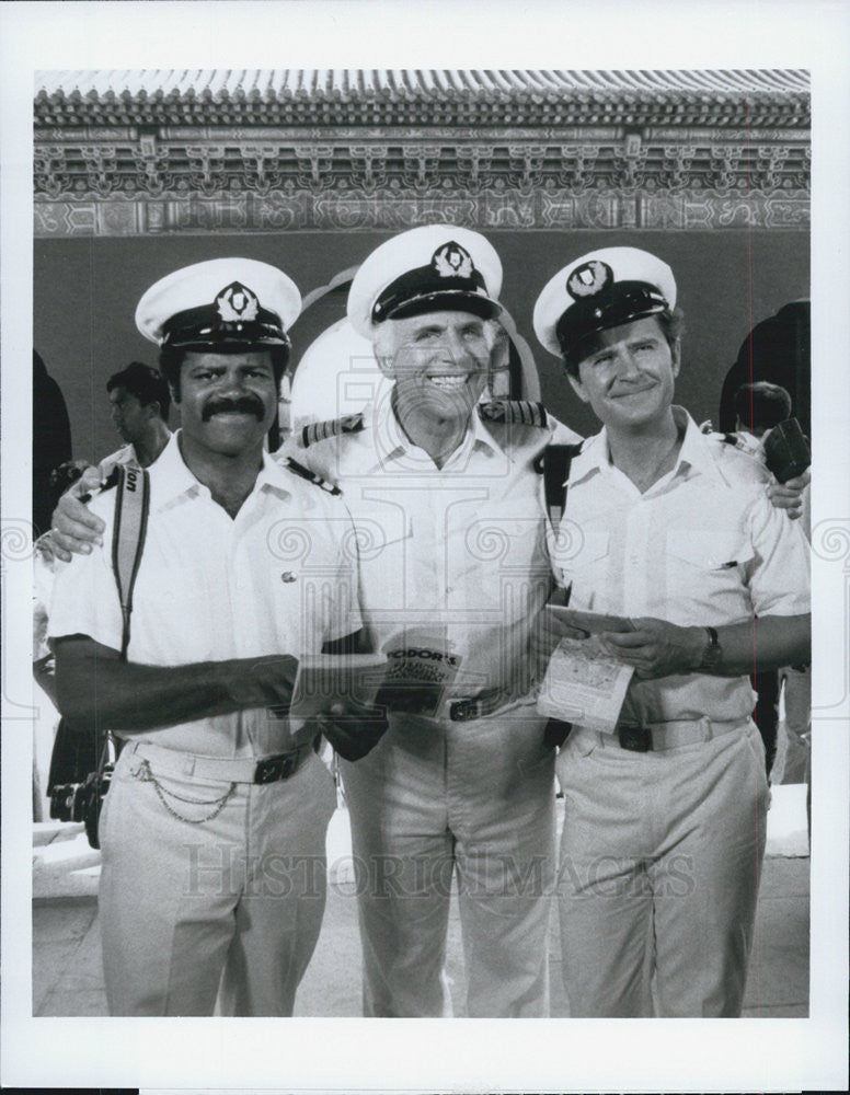"1983 Press Photo Ted Lange,Gavin MacLeod,Fred Grandy ""The Love Boat"" - Historic Images"