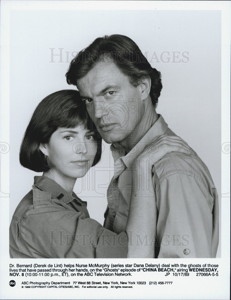 "1989 Press Photo Derek de Lint & Dana Delaney on ""China Beach"" - Historic Images"