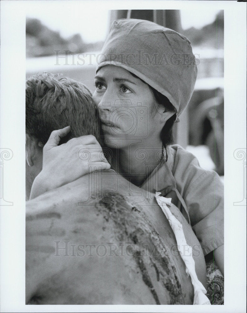 "1990 Press Photo Actors in ""China Beach"" - Historic Images"