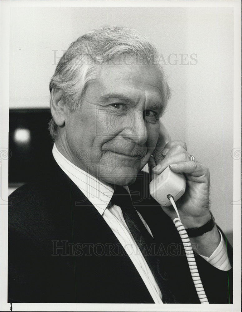 "1988 Press Photo Sam Wanamaker in ""Baby Boom"" - Historic Images"