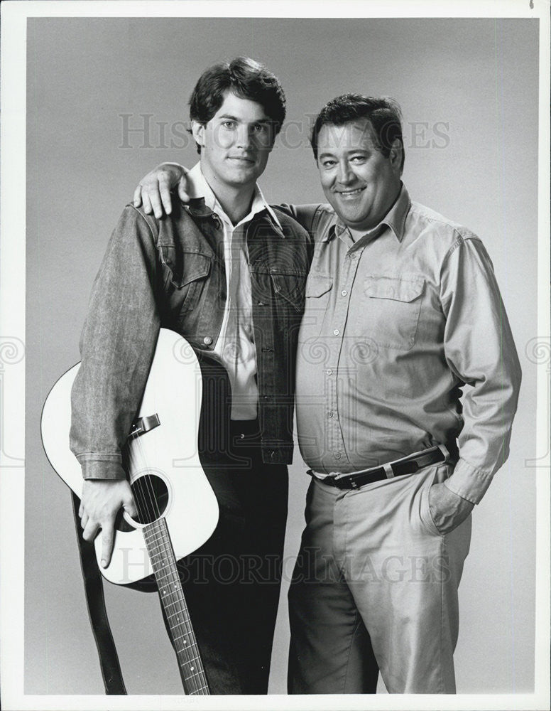 1983 Press Photo Tom Byrd Barry Corbin TV series Boone - Historic Images