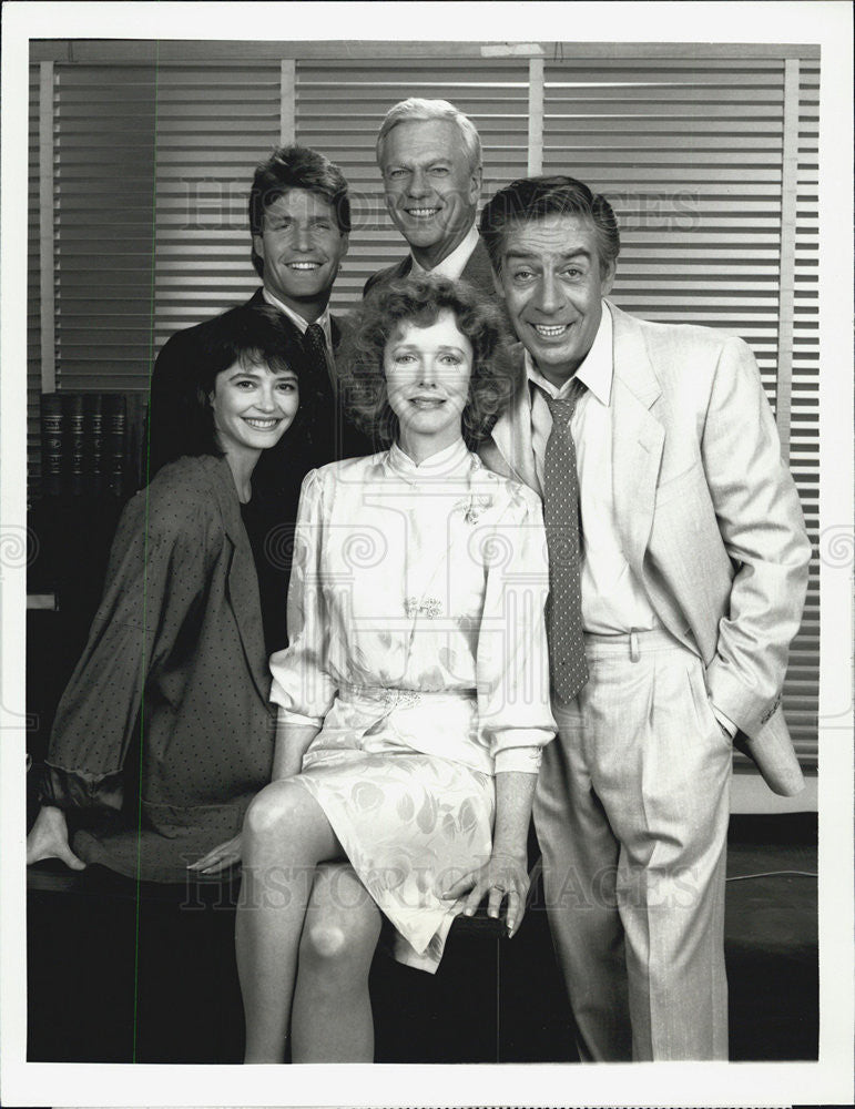 "1987 Press Photo Cast of ""The Law and Harry McGRaw""CBS TV series. - Historic Images"