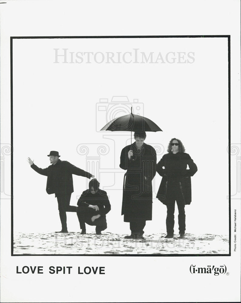 1995 Press Photo Love Spit Love - Historic Images