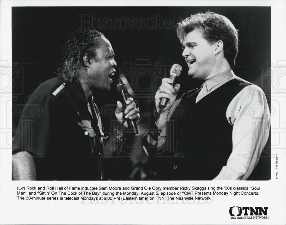 Press Photo Singers Sam Moore & Ricky Skaggs CMT Monday Night Concert Country - Historic Images