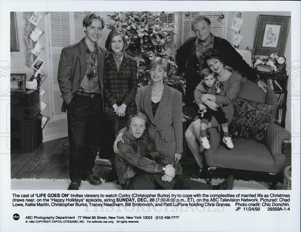 1992 Press Photo Actor Christopher Burke and Cast of Life Goes On - Historic Images