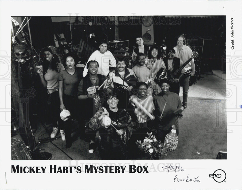 1996 Press Photo Mickey Hart's Mystery Box Band - Historic Images
