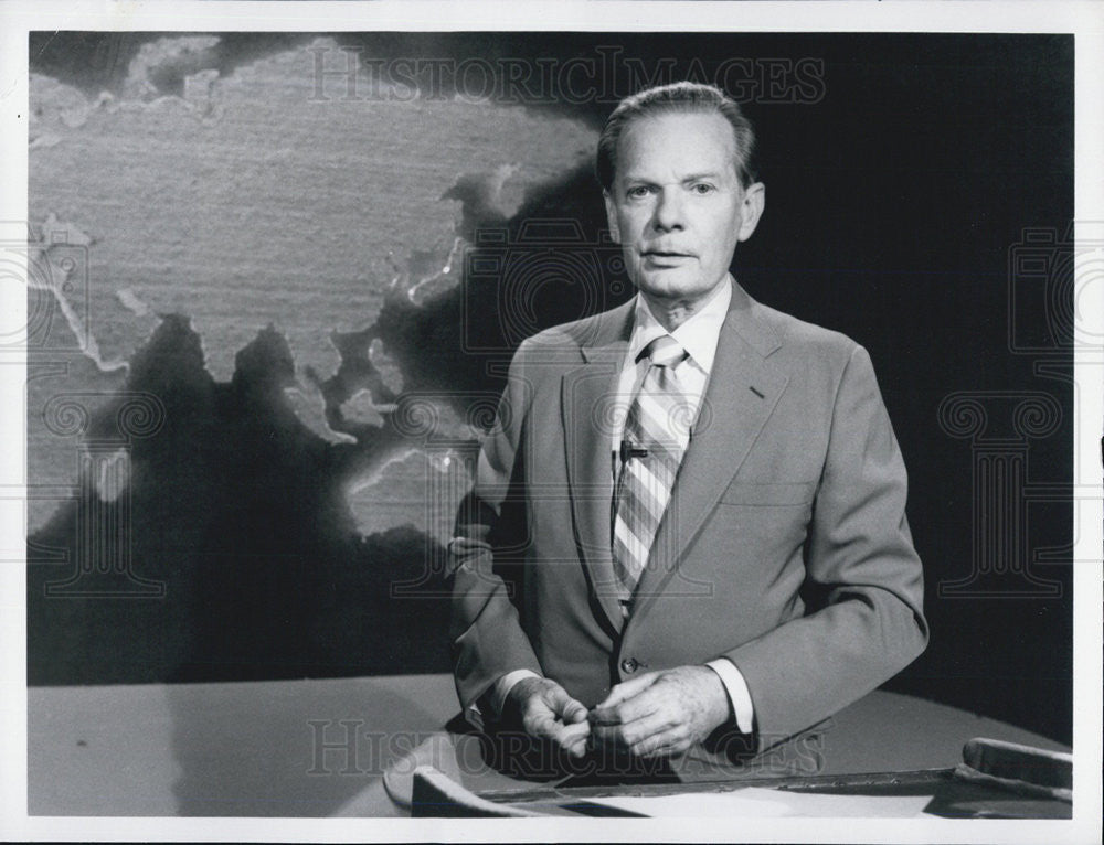 Press Photo News Anchor for ABC News David Brinkley - Historic Images
