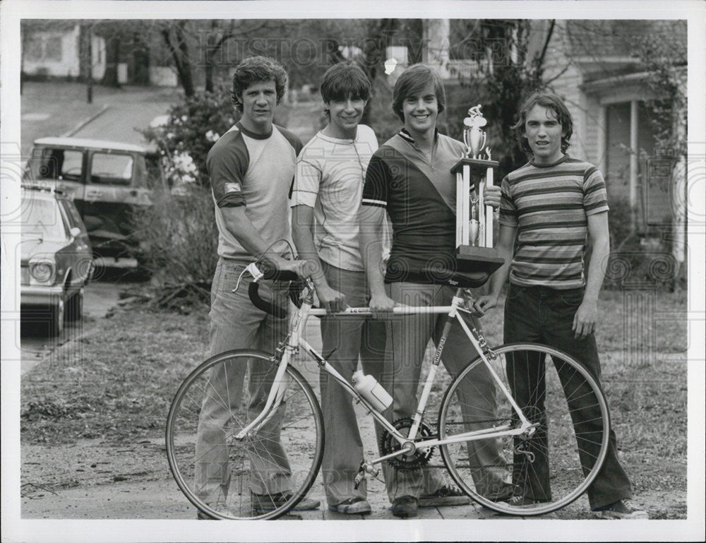 Press Photo Shaun Cassidy Jackie Earl Haley Tom Wiggins Tom Bray Actors Breaking - Historic Images