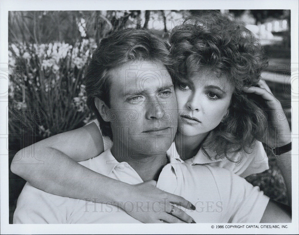 1986 Press Photo John James and Emma Samms,actors on The Colby's - Historic Images