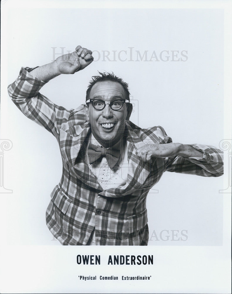 Press Photo Owen Anderson Comedian - Historic Images