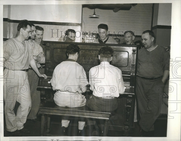 1938 29 Men Alimony Row Cook County Jail - Historic Images