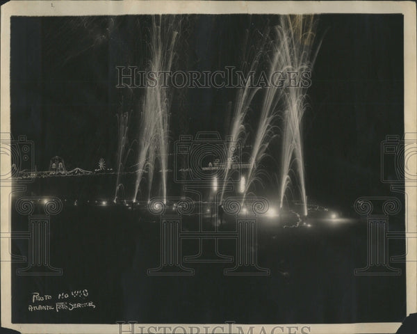 1923 America Prettiest Girl Fireworks - Historic Images