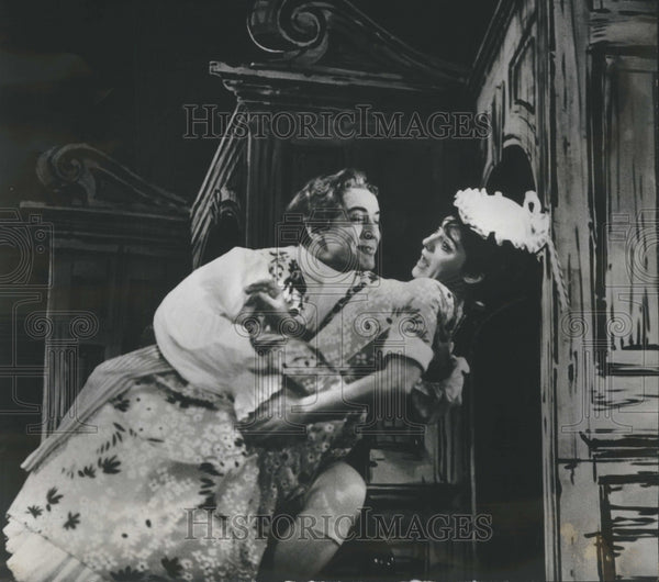 1965 Eva Le Gallienne She Stoops Conquer - Historic Images