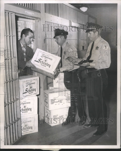 1947 Whiskey Store Gresham Police Stolen - Historic Images