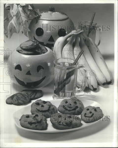 Water Biscuits Banana - Historic Images
