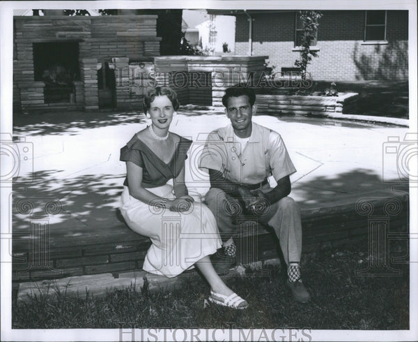 1954 Press Photo George and Shirley Simon