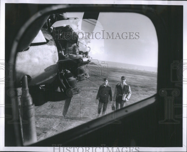 1954 Press Photo Larry Lasch Jim Flies Put Bay School