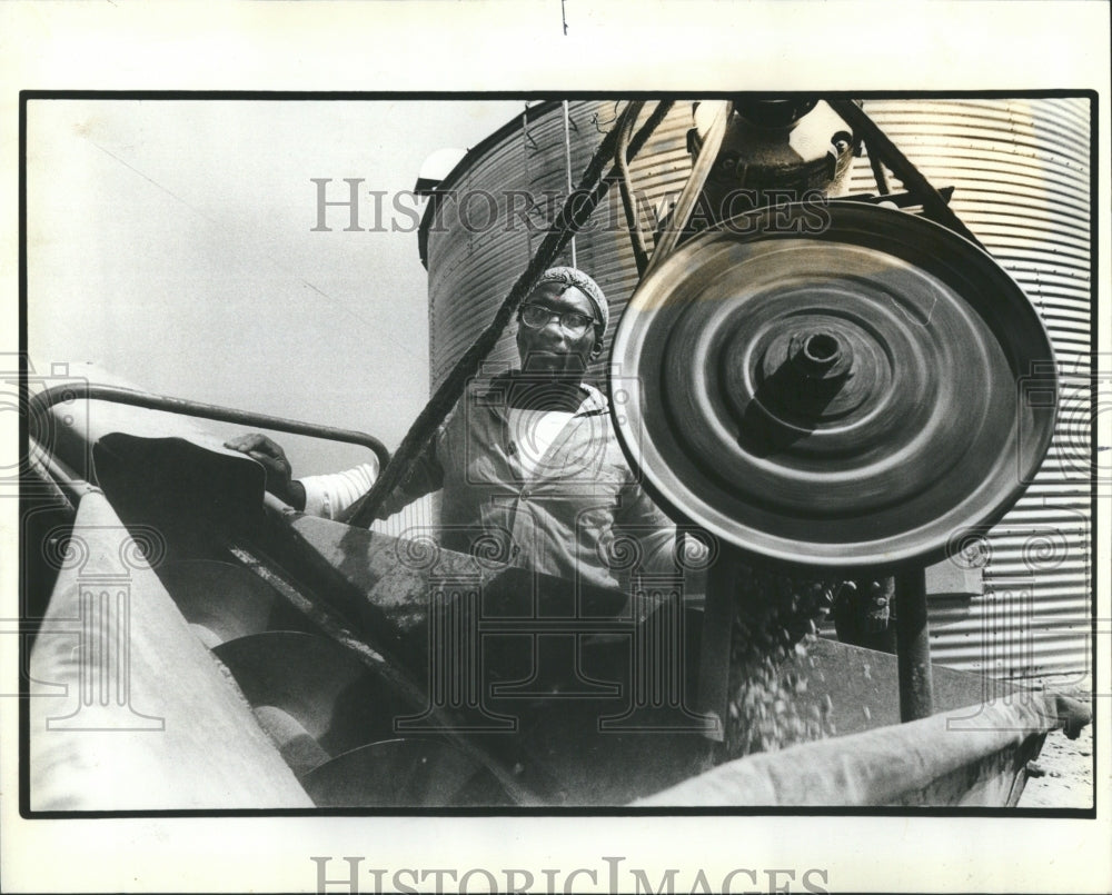 1928 Press Photo Vienna Gasohol Machine powder