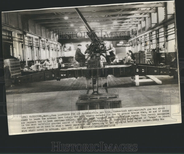 1938 Press Photo Poison Raiders Air Today Three Inch