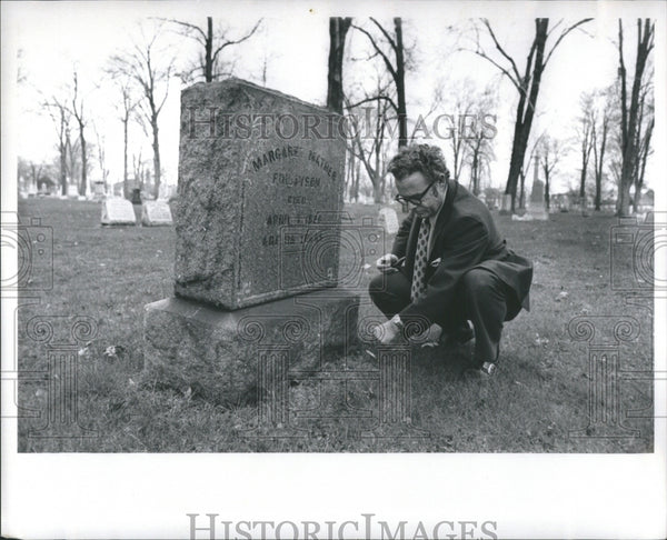 1920 Press Photo Cemetery Place Dead Ground Term