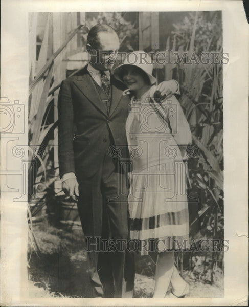 1928 Press Photo Frances Porter and Conkey Whitehead - Historic Images