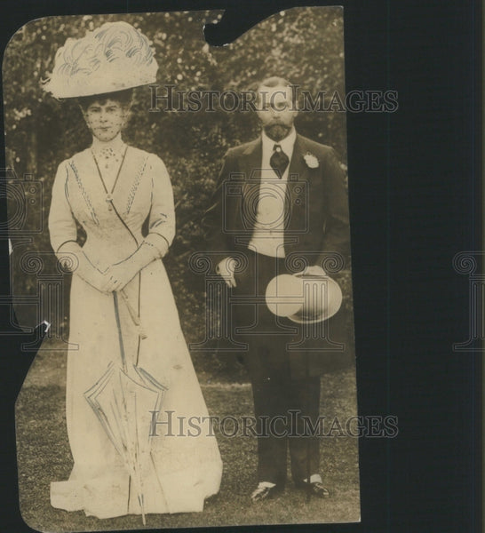 1919 Press Photo Marry Group Family
