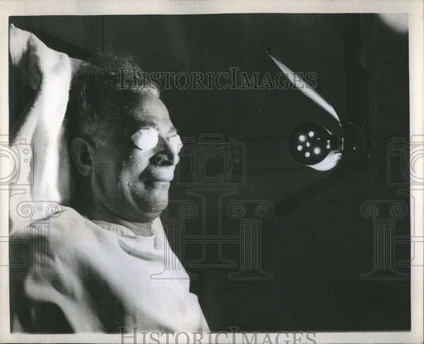 1944 Press Photo Sun Lamp Vitamin D Tan Good Coloring