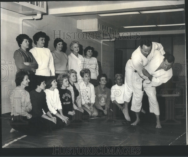 1956 Press Photo Judo Instructor Lawrence