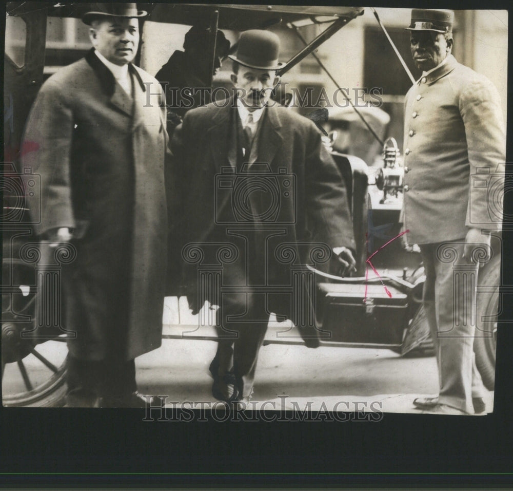 1919 Press Photo Dr George Fritch Suspect Crime