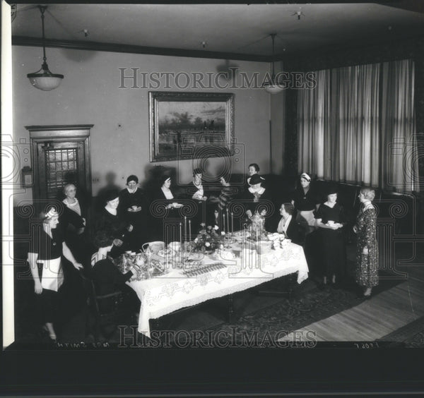1918 Press Photo Detroit News Conference Room Meeting