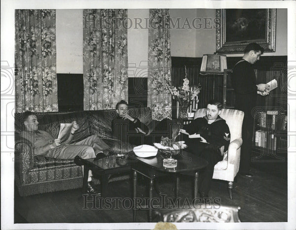 1942 Palatial rest home for wounded - Historic Images