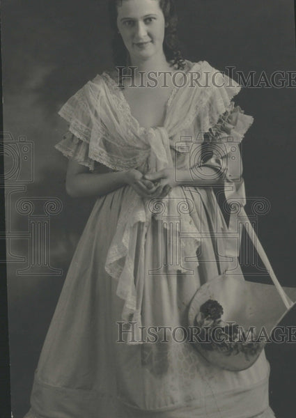 1922 Lewellen Davis Period Dress - Historic Images