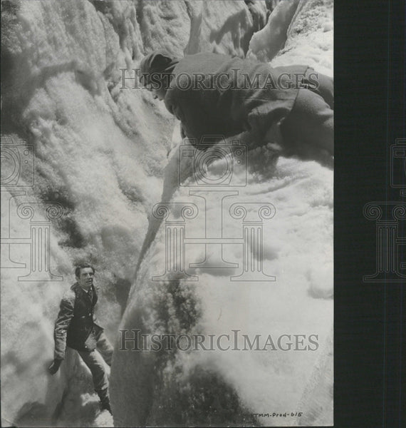 1959 Walt Disney Third man on the mountain - Historic Images