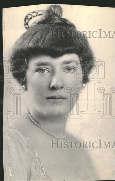 1918 Mrs. Channing Lilly - Historic Images